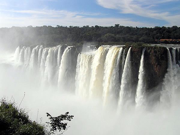 Garganta del Diablo, Iguazú Falls, Brazil-Argentina. Author and Copyright Marco Ramerini