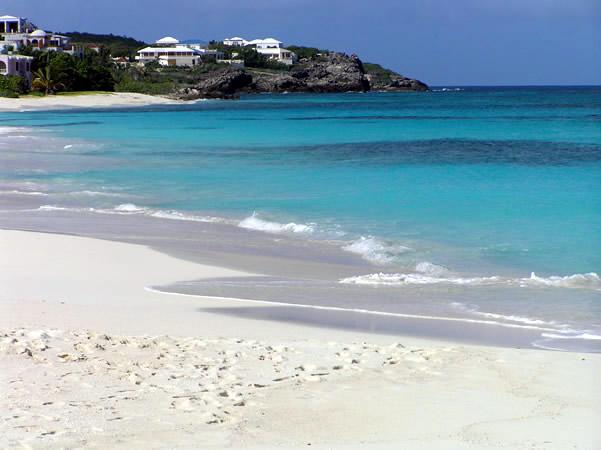 In der Karibik mit Kindern die Insel Anguilla. Shoal Bay East, Anguilla. Autor und Copyright Marco Ramerini.