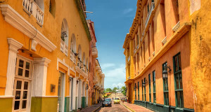 Cartagena de Indias, Colombia. Author Pedro Szekely (szeke). Licensed under the Creative Commons Attribution