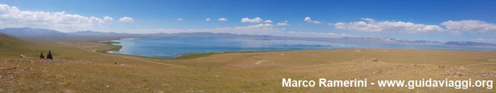 Reise durch die Berglandschaften Zentralasiens. Der Song Kol See, Kirgisistan. Autor und Copyright Marco Ramerini