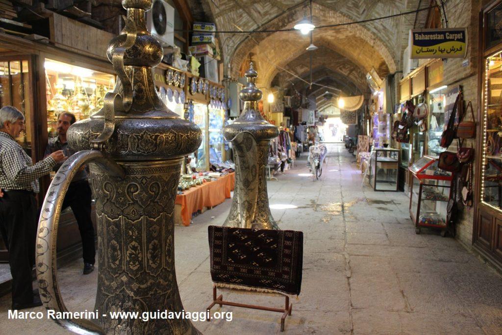 Basar, Naqsh-e Jahān Platz, Isfahan, Iran. Autor und Copyright Marco Ramerini,