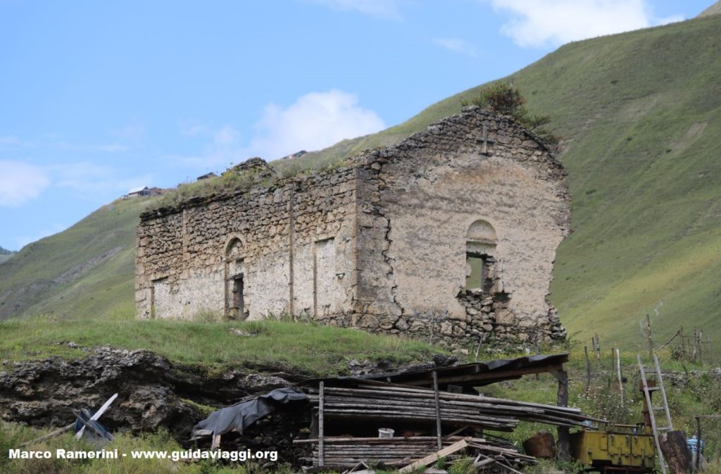 The ruins of the church, Dartlo, Georgia. Author and Copyright Marco Ramerini