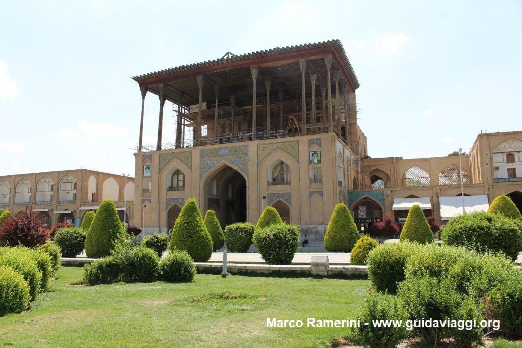 Ali-Qapu-Palast, Naqsh-e jahān-Platz, Isfahan, Iran. Autor und Copyright Marco Ramerini,