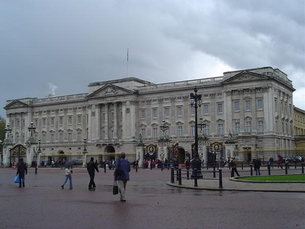Buckingham Palace, London. Author and Copyright Niccolò di Lalla