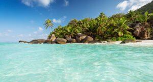 Baie Cipailles , Silhouette, Seychellen. Credit Torsten Dickmann. Seychelles Tourism Board Media Hub