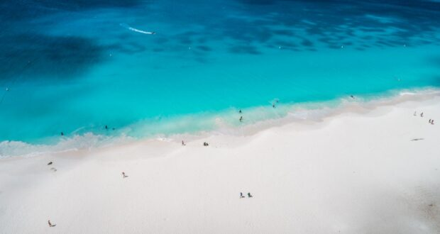 Eagle Beach, Aruba. Photo Aruba Tourism Authority.