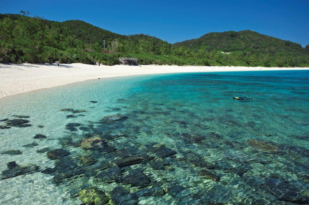 Furuzamami Beach,Kerama Islands, Okinawa Islands, Okinawa Prefecture, Japan. Credit [©Okinawa Convention&Visitors Bureau] or [©OCVB]