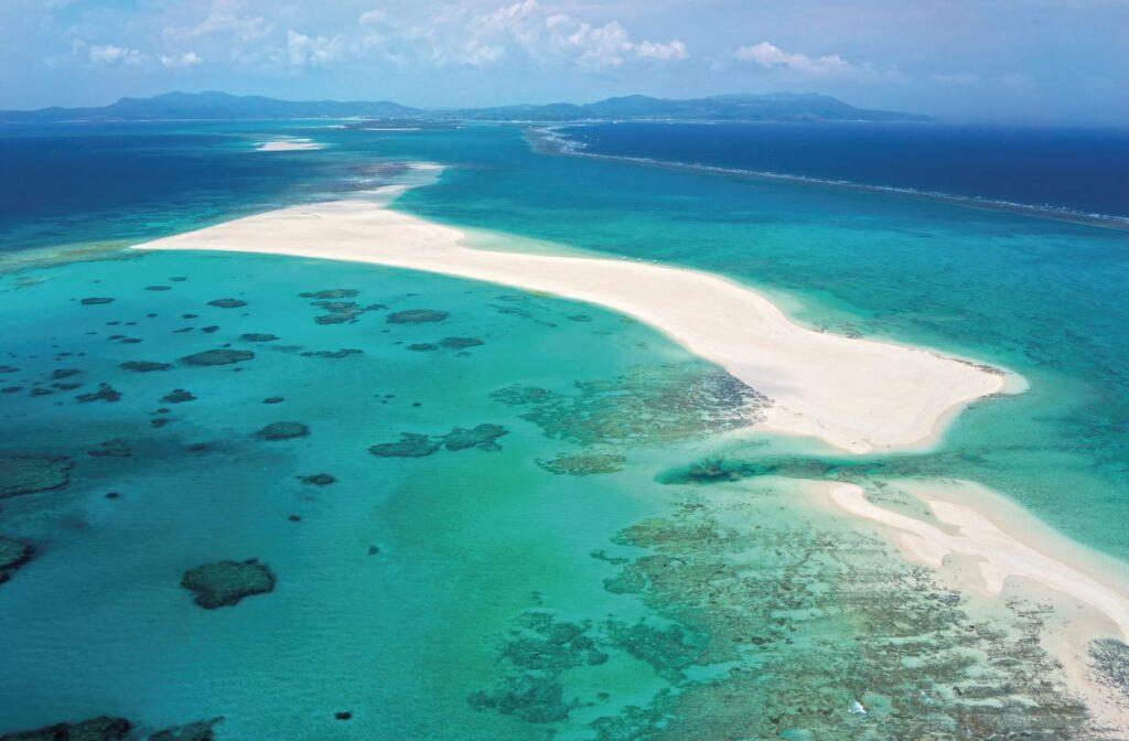 Hatenohama Beach, Kume Island, Okinawa Islands, Okinawa Prefecture, Japan. Credit [©Okinawa Convention&Visitors Bureau] or [©OCVB] (1)