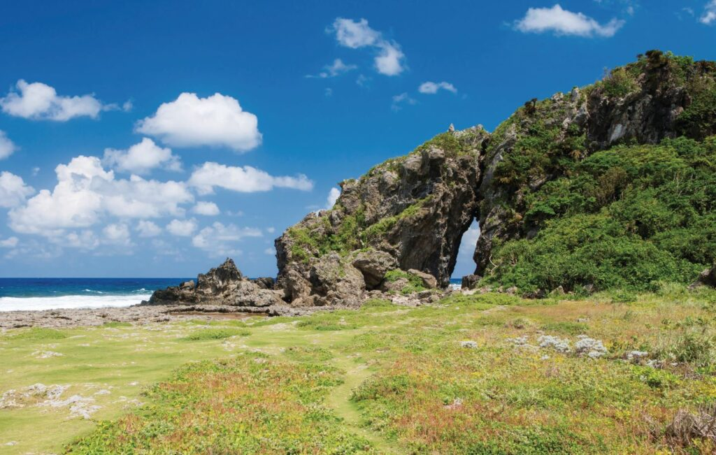 Mifuga Rock, Kume Island, Okinawa Islands, Okinawa Prefecture, Japan. Credit [©Okinawa Convention&Visitors Bureau] or [©OCVB] (2)