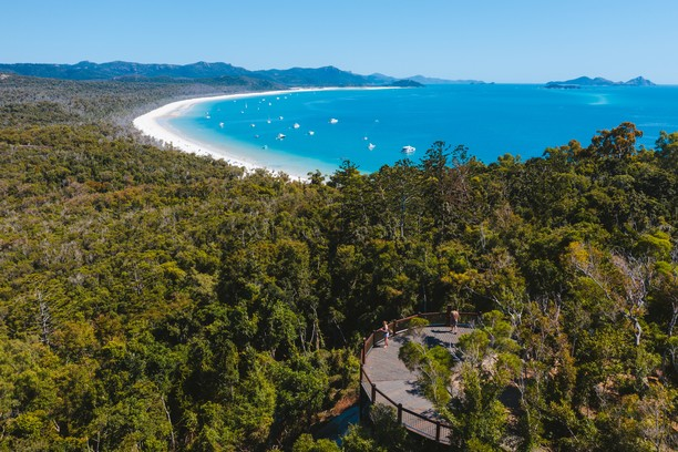 South Whitehaven Lookout, Whitehaven Beach, Queensland, Australia. Credit Tourism Australia