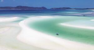 Whitehaven Beach, Whitsundays Islands, Australien. Credit Tourism Australia